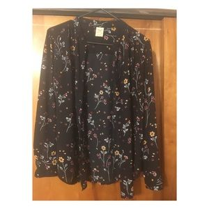 4/$25 Faded Glory Black Flower Blouse Sz M